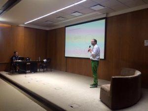 Conferencia con Diego Golombek para empresas2